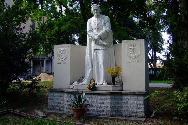 800px pomnik w eugeniusza de mazenod w lubli cu