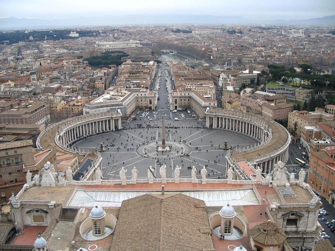 800px-saint-peter-s-square-from-the-dome-1.jpg