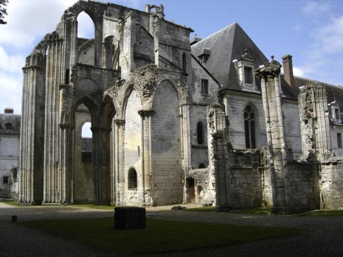 Abbaye de fontenelle a saint wandrille rancon seine maritime 77