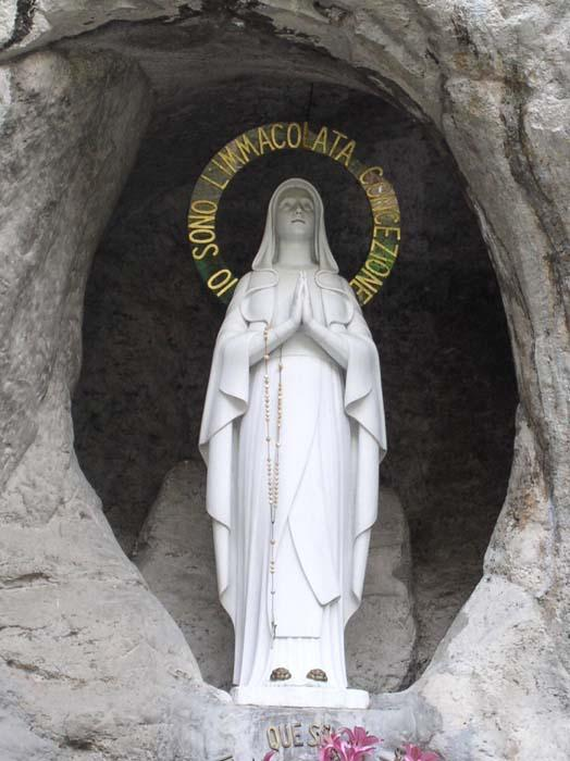 Beata vergine maria di lourdes d 2