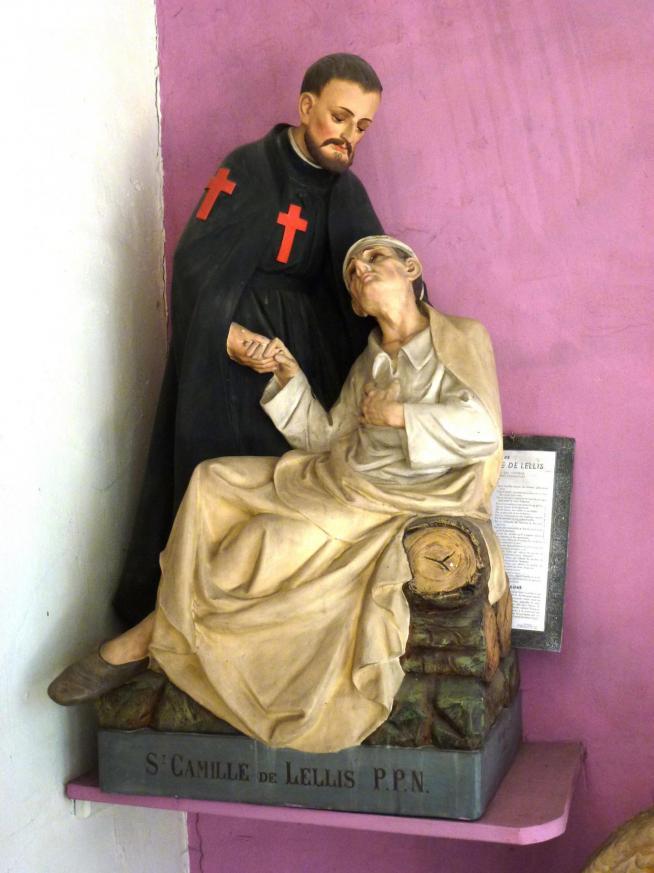 Beuvry la foret nord fr eglise statue st camille de lellis 11