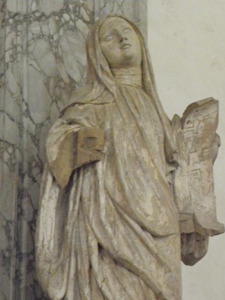 Champeaux 77 collegiale saint martin statue de sainte fare