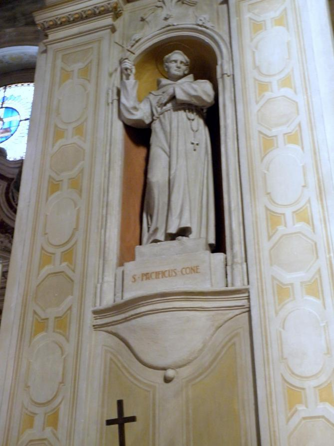 Duomo di santa sofia statue of saint pacificus lendinara