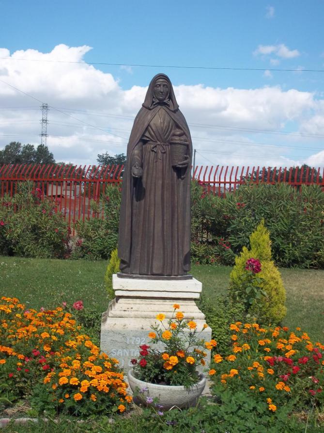 Estatua juana jugan