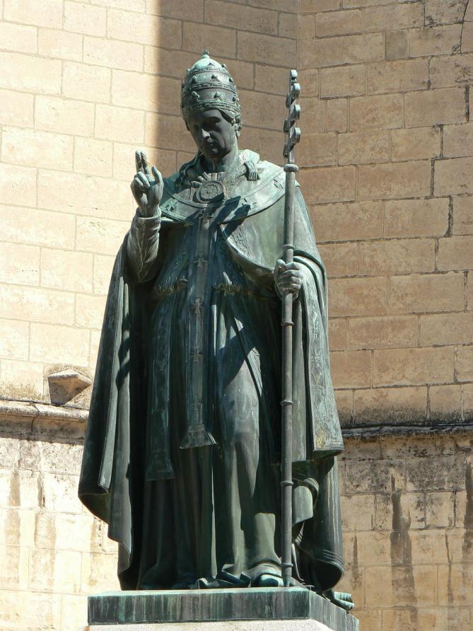 France lozere mende statue d urbain v 2