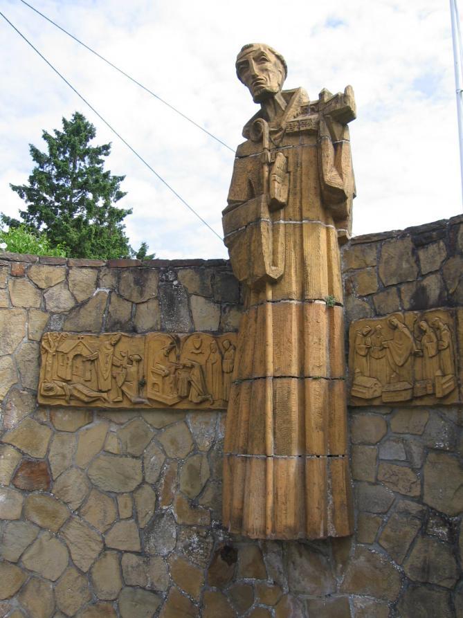 Gerard de brogne statue moderne