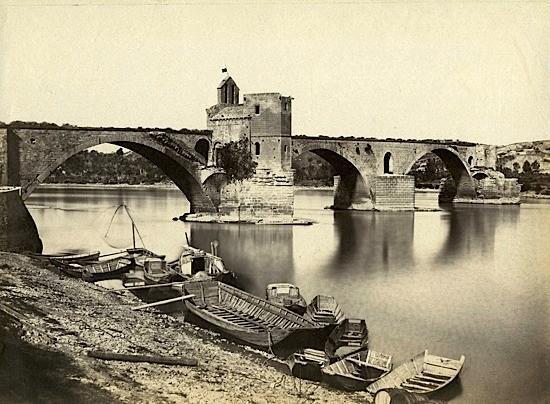 Le pont et sa chapelle