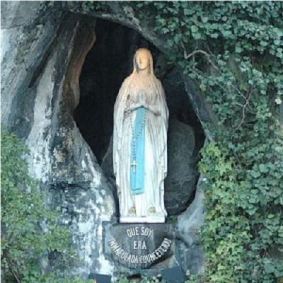 Lourdes vierge grotte 300x300 2