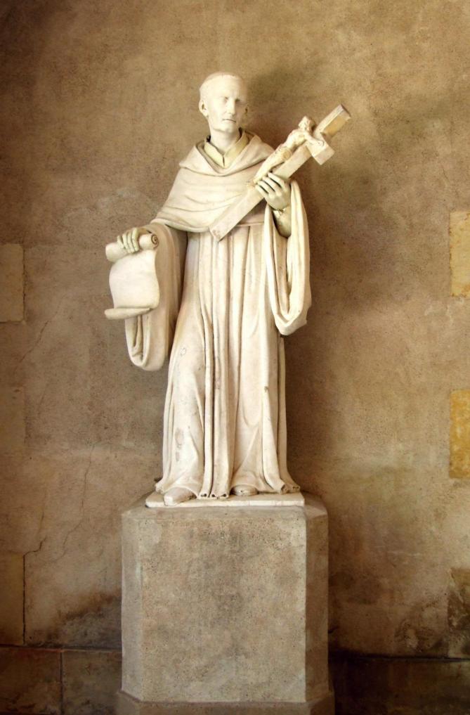 Maison natale de saint bernard statue