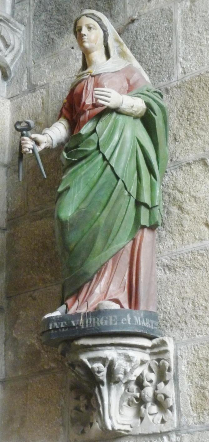 Saint pol 56 cathedrale statue de sainte apolline