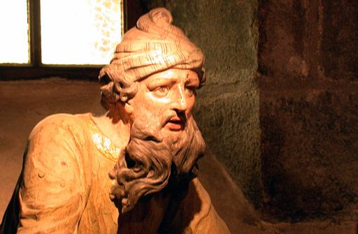 Saint thegonnec 29 mise au tombeau situe dans l ossuaire de l enclos paroissial nicodeme 1