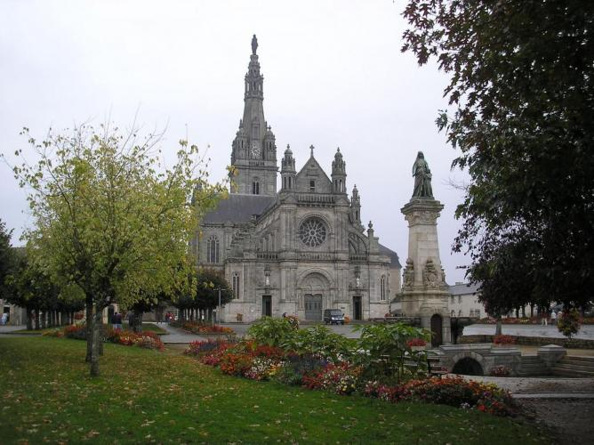 Sainte anne auray sanctuaire 1