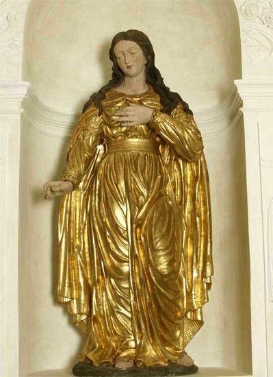 Statue de sainte philomene dans l eglise d ars 1