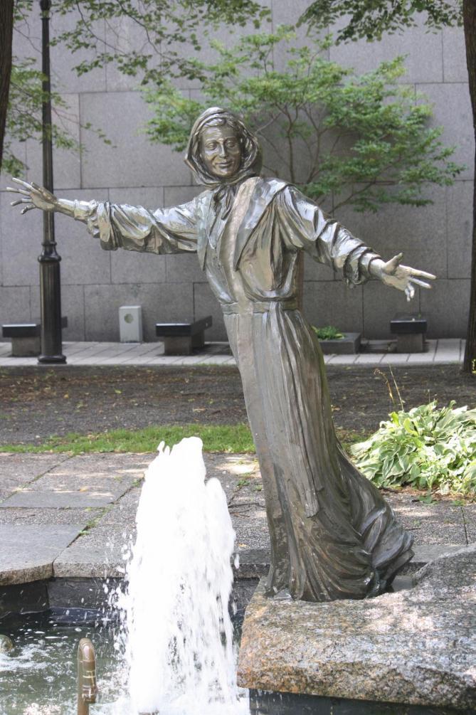 Statue marguerite 11