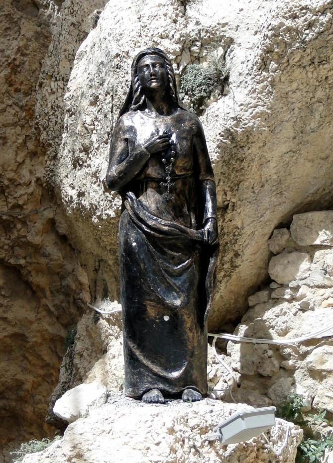 Statue of saint thecla maaloula